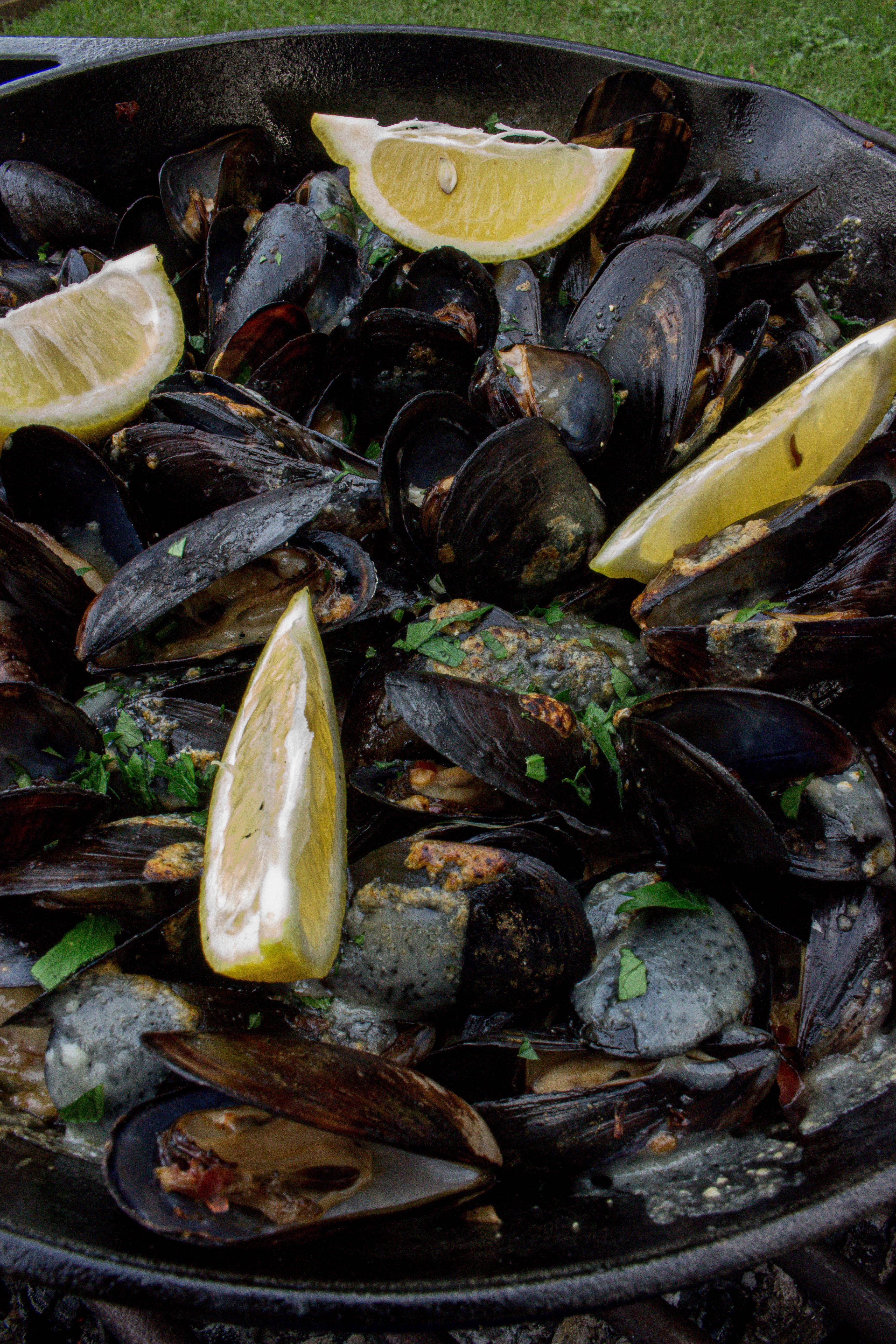 Garlic Parmesan Mussels