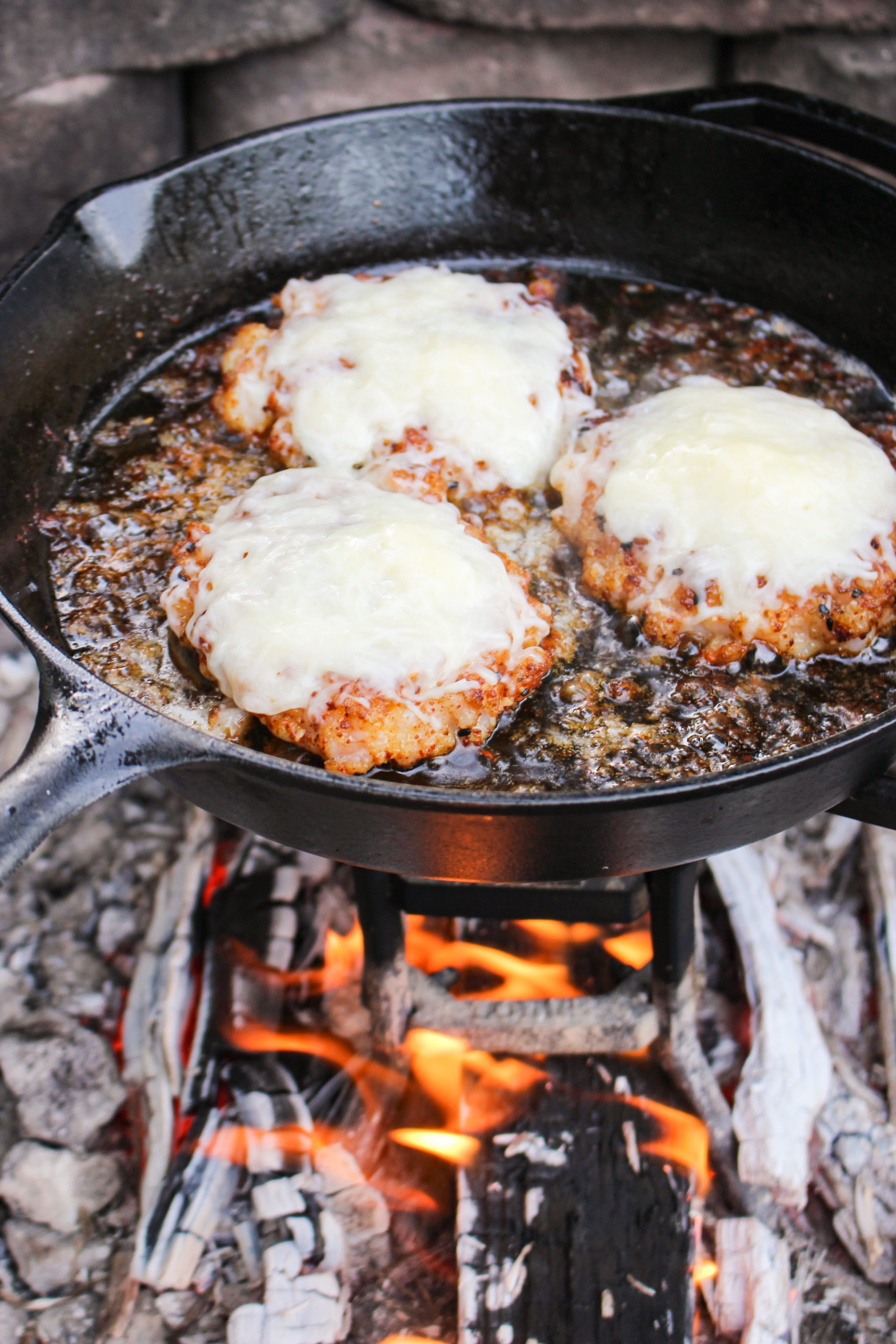 Hamburguesa de camarones Gochujang con ajo